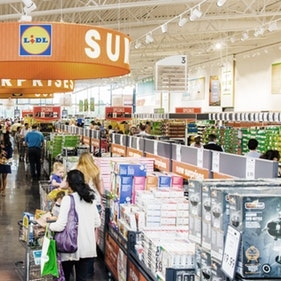 US Shoppers' Appetite For Discounters